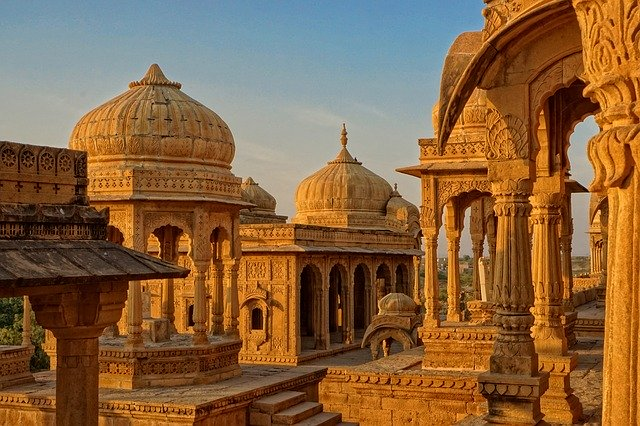 The Hindu Temples Built by Muslims in Pre-colonial India